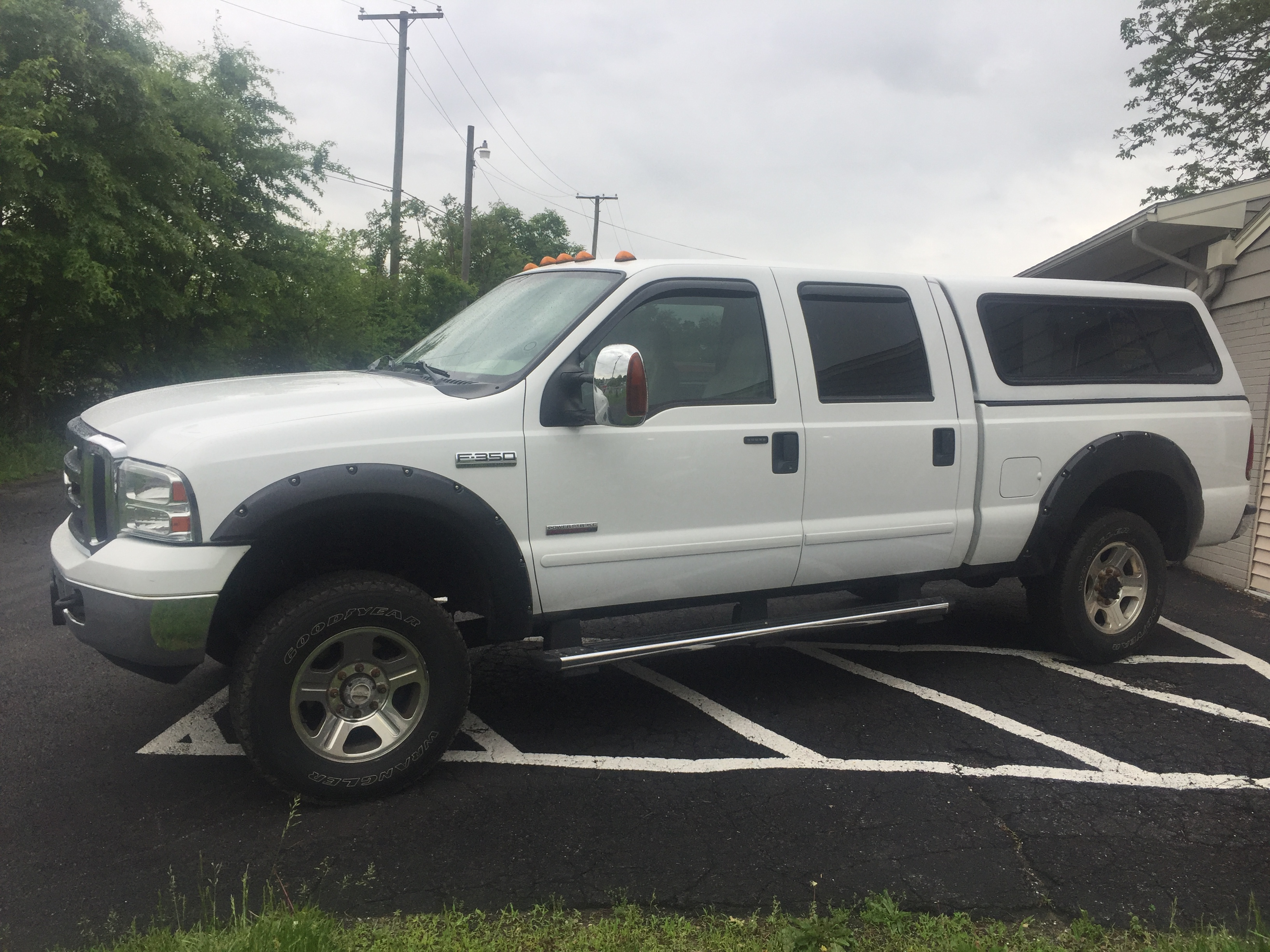 2006 Ford Superduty F350 Lariat 4 dr Crew Cab